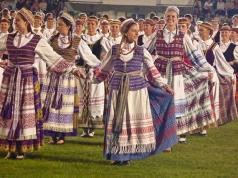 Lithuanian traditional dress